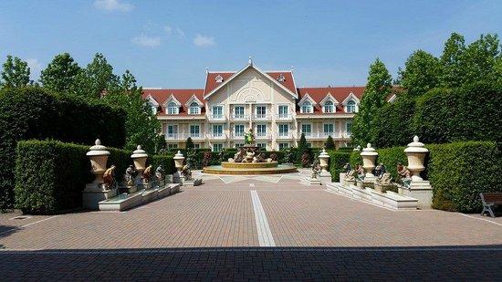 Gardaland Hotel : Giardino interno all'hotel