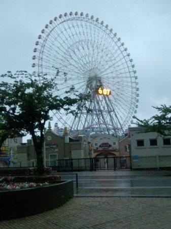 The Yokohama Bay Hotel Tokyu: 早朝の正面玄関!!