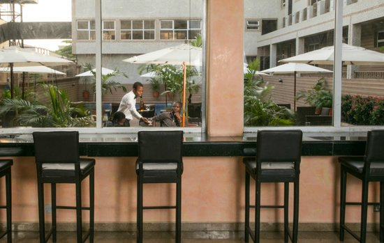 D' Palms Airport Hotel: Inspirations Pool Bar