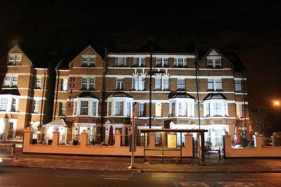 Euro Lodge Clapham : English spirit
