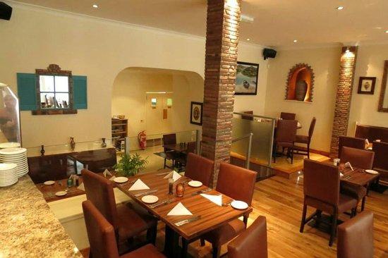 Bellshill, UK: Omorphia Taverna