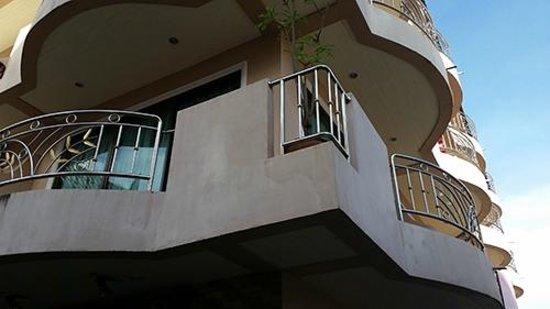 Ban Tyrol : superbe double balcon vue sur nainai road