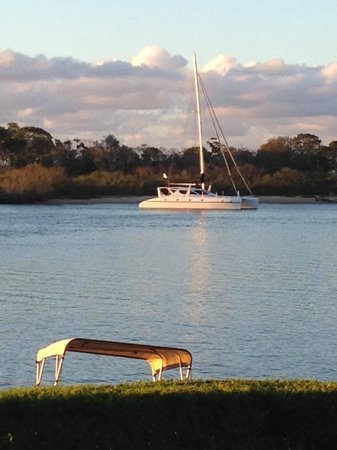 Noosa River Holiday Park : The Noosa River from the park