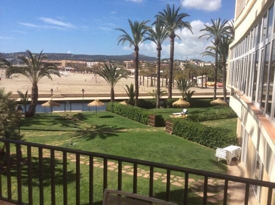 Parador de Jávea: view from the hotel onto the beach