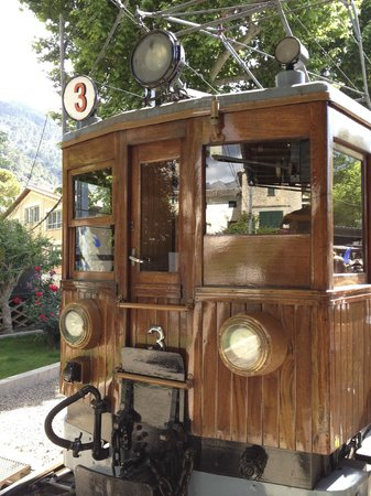 Tren De Soller : All aboard the Ferrocarril de Soller!