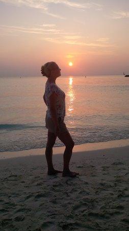 Veligandu Island Resort & Spa: Another glorius sunset