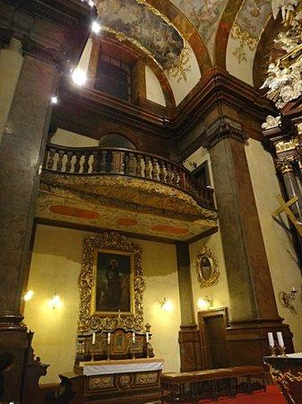St. Francis of Assisi Church: Prague interier och church St. Francis os Assisi