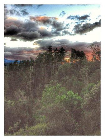 Cliffhanger Cottages : View
