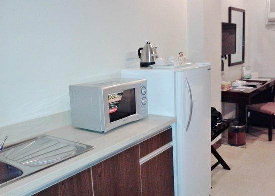 Alpa City Suites: Mini Kitchen