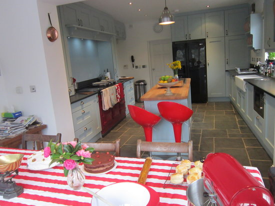 Pembrokeshire Farm B&B: Kitchen at Pembrokeshire Farm B and B