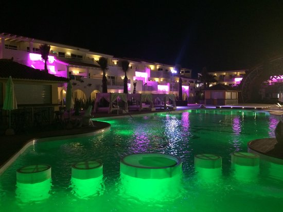 Ushuaia Ibiza Beach Hotel : by night