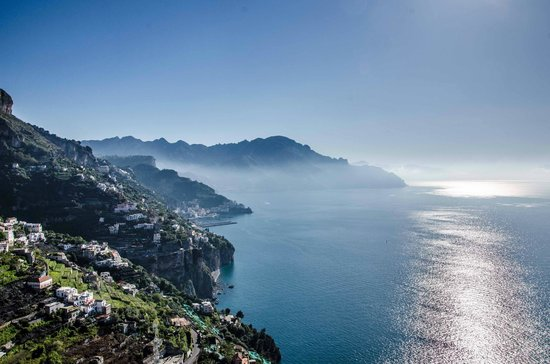 Monastero Santa Rosa Hotel & Spa : Vieew to Amalfi from the Terrace