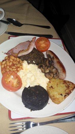 Six Pines Bed & Breakfast: Breakfast