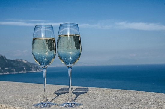 Conca dei Marini, Italien: Drinks on the sunser terrace