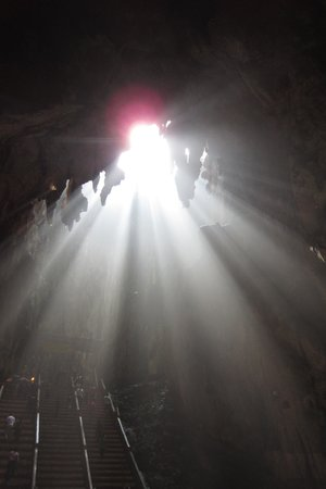 Batu Caves : You will look like an angel if you take a photo under this