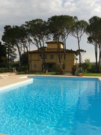La Certaldina : Zwembad met uitzicht over de heuvels