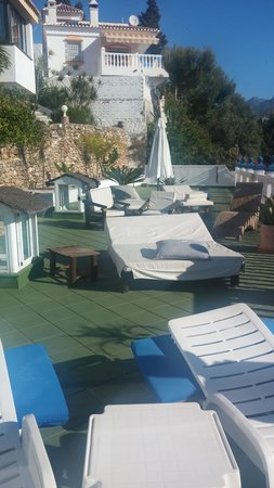 Hostal Casa Mercedes: Solarium during the day