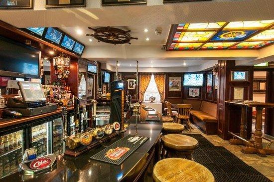Highland Hotel: Bar