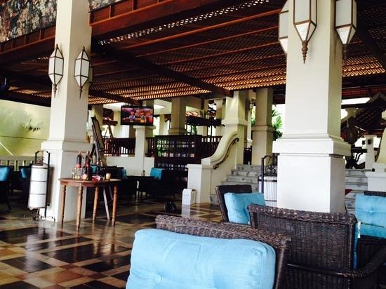 Khaolak Laguna Resort: club lounge