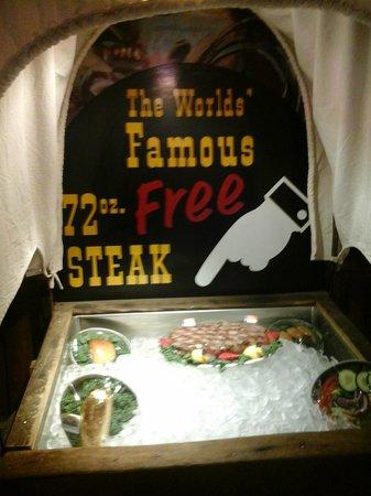 Big Texan Opry : Steak 72 oz