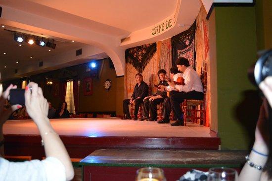 Cafe De Chinitas : singing