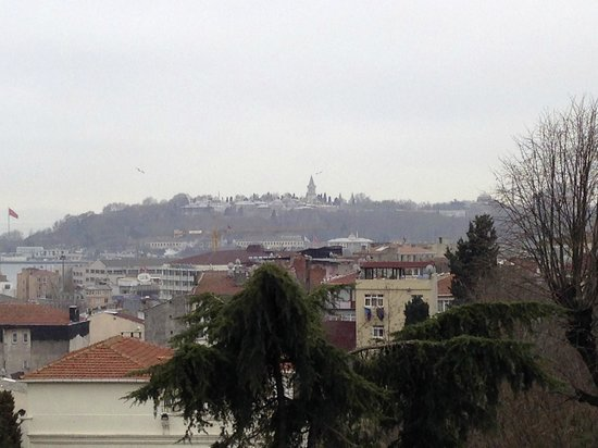 Tomtom Suites: Top-floor the view across Istanbul.