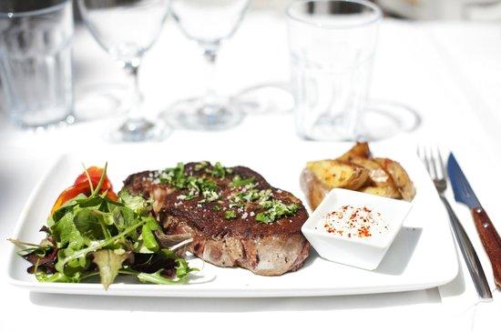 Photo of Mediterranean Restaurant La Oliva at Calle Santa Creu 2-4, Ibiza 07800, Spain