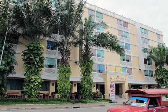 Royal Peninsula Hotel Chiang Mai: Royal Peninsula Entrance