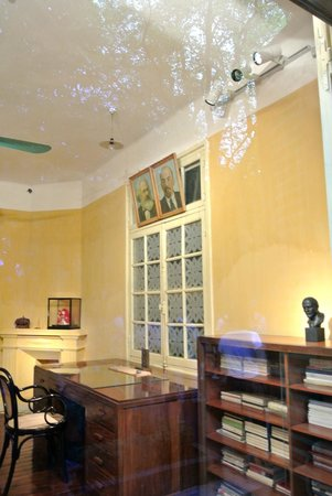 Ho Chi Minh Presidential Palace Historical Site: the office