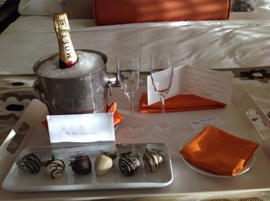 Santa Barbara Beach & Golf Resort, Curacao : bedankt voor deze attentie voor ons 45 jarig huwelijk