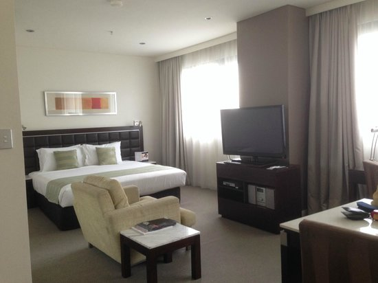 Meriton Suites Kent Street, Sydney: Our Room