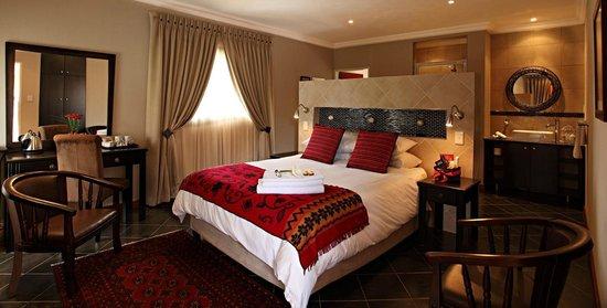 Glen Marion Guest House: Luxury room with Queen bed, percale linen, DSTV & TV