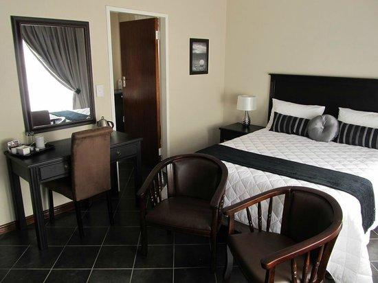 Glen Marion Guest House: Standard room with Queen bed Luxury linen, DSTV & TV