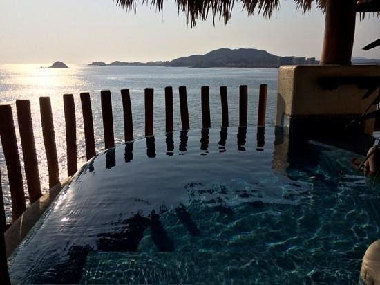 Pacifica Resort Ixtapa : the small pool in the room