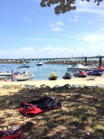 Sails Luxury Apartments: boat harbour forstergreat for boating and jet skiing