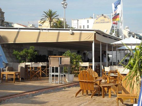 Radisson Blu Hotel, Nice : bar spiaggia