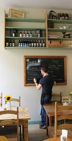 Edinburgh Larder Cafe: Interior & Blackboard