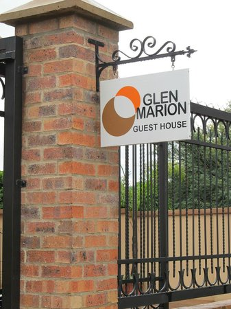 Glen Marion Guest House: High standard Security fencing with Security cameras and safe parking
