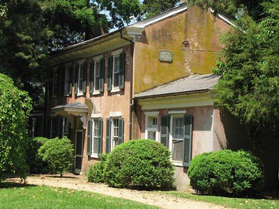 Berkeley Plantation : Kitchen and Laundry House