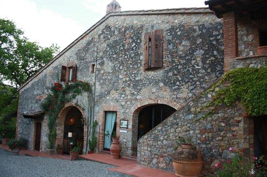 Villa Baciolo: De voorkant van het gebouw