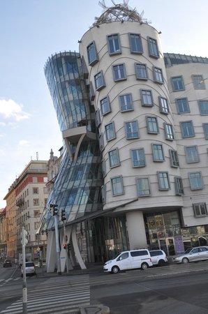 Hotel UNIC Prague : The Dancing House