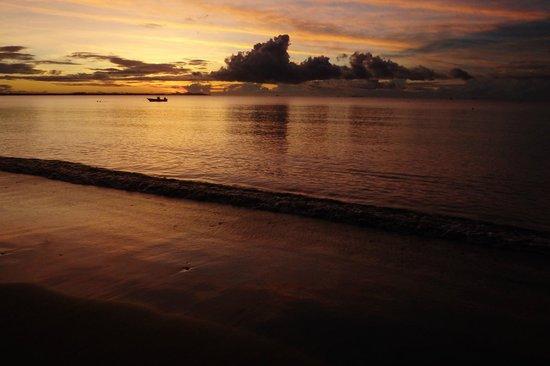 Aquarius On The Beach : le coucher de soleil vu de l'hotel