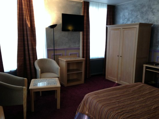 Le Grand Hotel de Valenciennes : Chambre Privilège Grand hôtel de Valenciennes