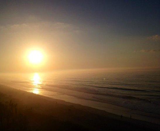 Ocean Reef Resort: Sunrise from Ocean Reef