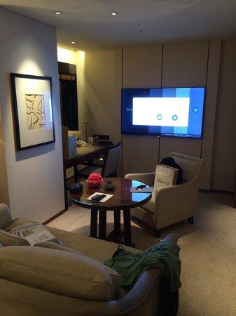 The Shilla Seoul : Huge tv