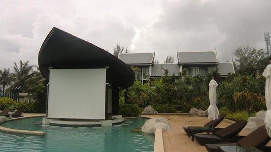 Natai Beach Resort & Spa, Phang-nga: Bad weather