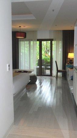 Natai Beach Resort & Spa, Phang-nga : room
