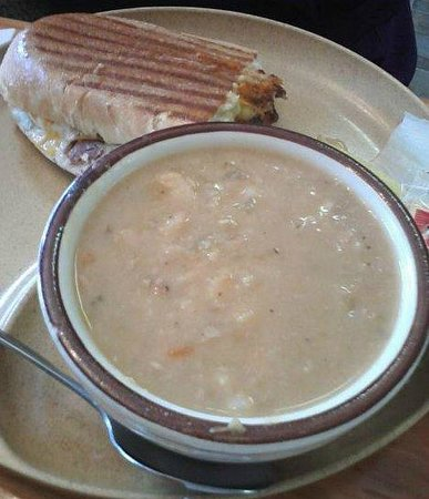 Bear Soup Deli : Bean Soup and Panini Sandwich
