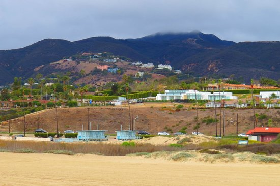 Zuma Beach: Winter Holiday Camp for Lifesaver Towers