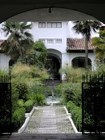 Hacienda La Cienega: Garden entrance